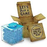 El regalo es la mitad de la diversión    Recibir dinero o una tarjeta de regalo no volverá a ser aburrido con esta caja 3D de regalo.   Oculta el sobre y úsalo como un incentivo para resolver el juego de ingenio.  Seguro para niños  Este jueg...