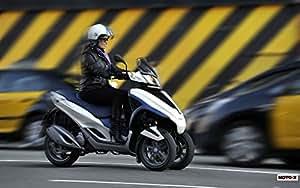Amazon.com: Motorcycle Piaggio Mp3 Yourban 2011 42 - 8X10 Photo