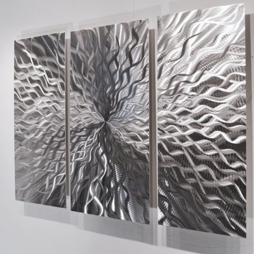 kosmische-energie-wandbild-skulptur-kunstwerk-metall-modern-abstrakt-3-teilig-silberfarben