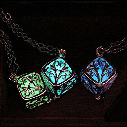 【3色から選べます】キューブ ネックレス 夜光 蓄光 暗闇で光るペンダント 【ギフトボックス付】コスプレ プレゼントにもどうぞ (ブルー)