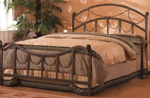 Queen Size Metal Bed Headboard and Footboard in Brass Finish