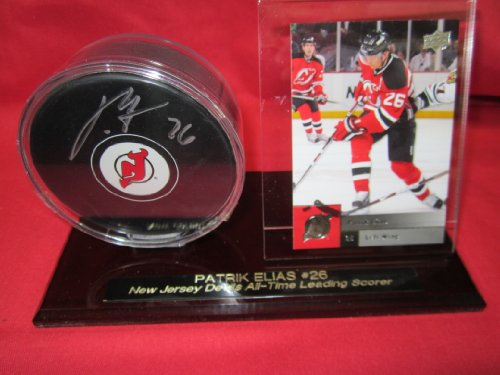 New Jersey Devils Patrik Elias Autographed Hockey Puck In Custom Engraved Puck & Card Holder back-711384
