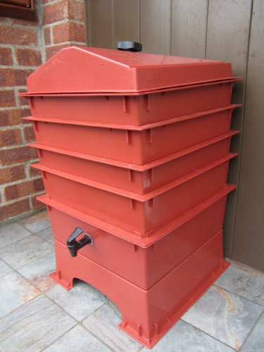 4 Tray Worm Hut Wormery in Terracotta