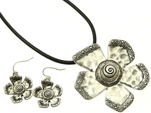 NECKLACE AND EARRING SET LEATHER CORD METAL SILVER Fashion Jewelry Costume Jewelry fashion accessory Beautiful Charms