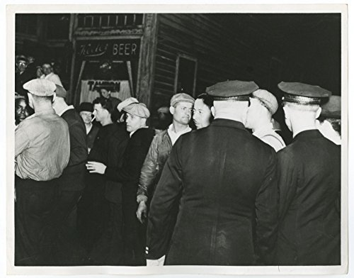 US Labor Strikes - Republic Steel Pickets - Vintage 8x10 Photo - Chicago, IL (Republic Steel compare prices)