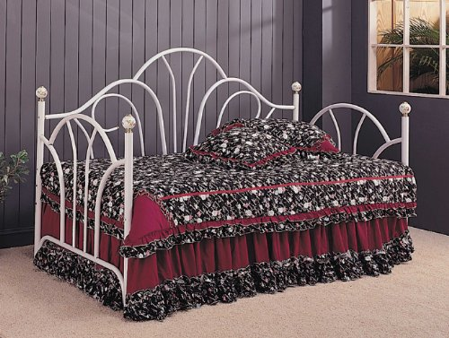 Coaster Home Furnishings Traditional Daybed, White front-673302