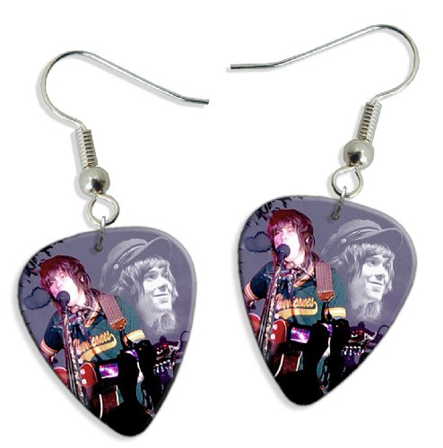 never-shout-never-chris-drew-wk-2-x-live-performance-guitare-mediator-pick-boucles-doreilles-earring