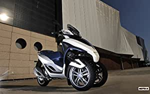Amazon.com: Motorcycle Piaggio Mp3 Yourban 2011 37 - 18X24 Poster