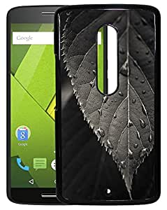 XUWAP 2D Printed Designer Hard Back Cover For Motorola Moto X Play Design-10040