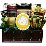 Art of Appreciation Gift Baskets   The Good Life Gourmet Food Chest with Smoked Salmon