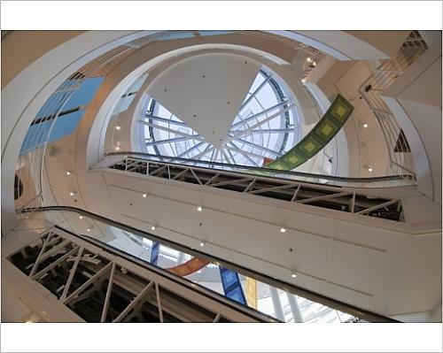 photographic-print-of-trendy-shop-interior-crate-and-barrel-magnificent-mile-chicago-illinois