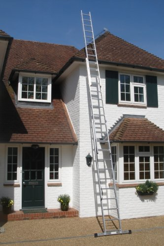 7.58m - 3 Section Extension Ladder with Integral Stabiliser