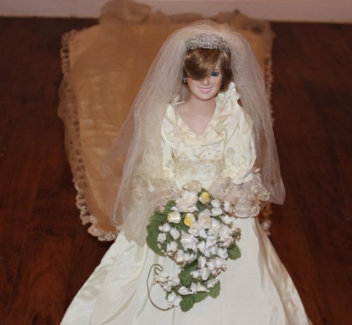 The Princess Diana Porcelain Bride Doll By the Danbury Mint