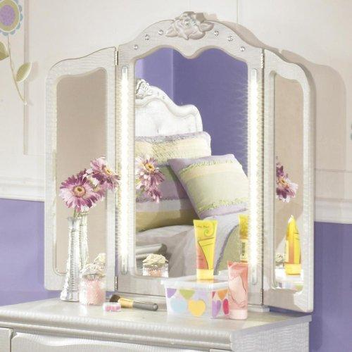 Tri Fold Vanity Mirrors