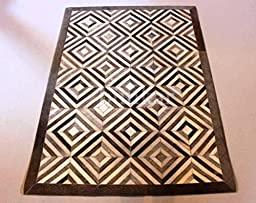 Hand-stitched Natural Cowhide Leather Rug \'Diamond\' (5\'x8\' (150cm x 240cm) L Area Rug)