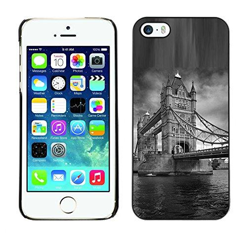 Qcase Slim Pc / Aluminium Sleek Case Cover Armor Shell -- Architecture London Bridge Black & White -- Apple Iphone 5 / 5S