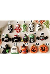 15 Halloween Badges Pins Party Gift Favors