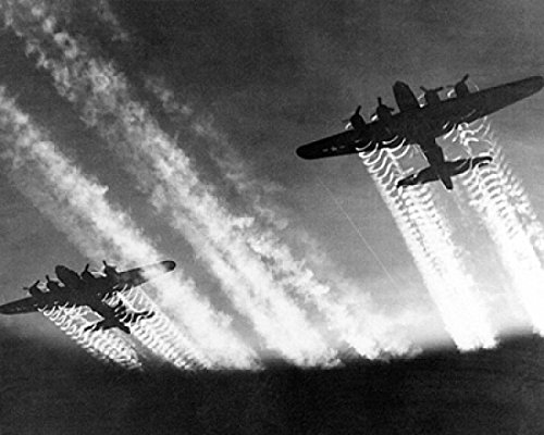 B-17 Flying Fortress Bombers with Contrails, c. 1943-5 Poster Print by McMahan Photo Archive (10 x 8)