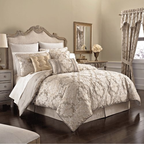 Croscill Ava Comforter Set, Queen front-965180