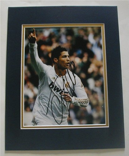 "CRISTIANO RONALDO Signed 8""x10"" DOUBLE MATTED Photo Reprint. With FACSIMILE Autograph. Ready for Framing!"