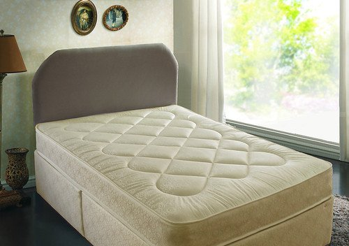 4'6 DOUBLE DEEP QUILTED DAMASK DIVAN BED WITH MATTRESS AND 2 SMALL DRAWERS GREAT BARGAIN