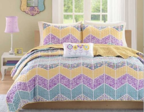 Mizone 4 Piece Coverlet Set. Chevron Pattern Contains This Bed In A Bag Looks Great. Pastel Colors. Great For Your Kids Bed Even Teens Will Like It. Matching Decorative Pillow And Sham. Queen/Full And Twin/Xl. (Queen/Full 86 Inches Wide X 90 Inches Long) front-912136