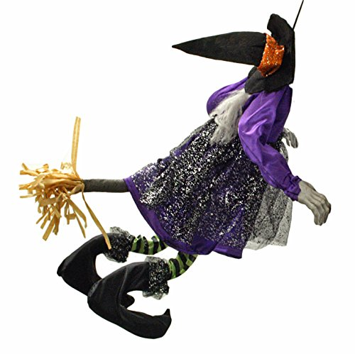 25 amazing halloween front porch decorations thrifty jinxy for Animated scarecrow decoration