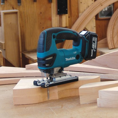 Makita BJV180 18-Volt LXT Lithium-Ion Cordless Jig Saw Kit