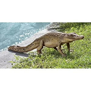 Design Toscano The Grand-Scale Wildlife Animal Walking Crocodile Garden Statue
