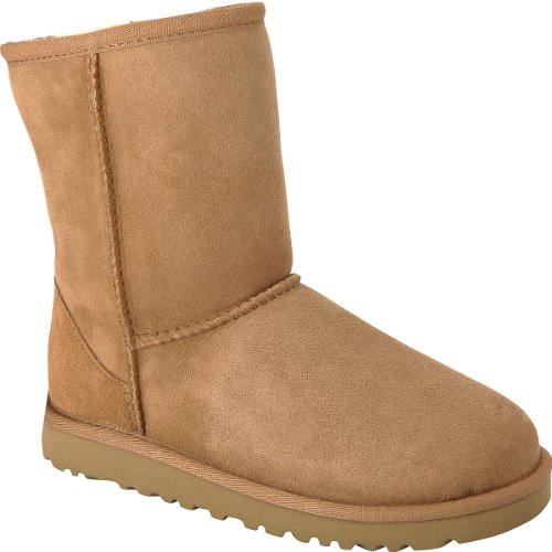 UGG UGG Girls' Classic Short Boots - Size: 13, Chestnut