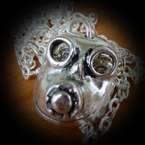 ODDITY Steampunk Victorian Freak GAS MASK anatomical pendant charm goth pendant Necklace Sugar Skull Day of the Dead Zombie tattoo biker