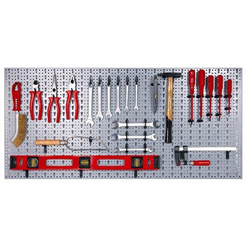 Werkzeugwand-aus-Metall-mit-Zubehr