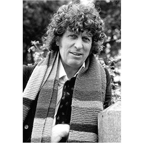 Tom-Baker-8-Inch-x-10-Inch-Photo-Doctor-Who-The-Golden-Voyage-of-Sinbad-Nicholas-and-Alexandra-BW-Outdoors-Wearing-Striped-Scarf-kn