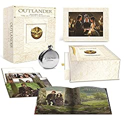 Outlander Season One: The Ultimate Collection (Blu-ray + UltraViolet + Limited Edition Keepsake Box and Flask)