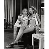 Bruce Forsyth and Julia Lockwood in Peter Yeldham's Birds on the Wing (Print On Demand)