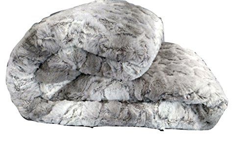 Tache 63 X 87 Inch Snow Giraffe Faux Fur Throw Blanket