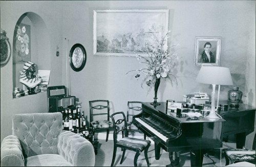 vintage-photo-of-a-room-with-well-designed-furniture