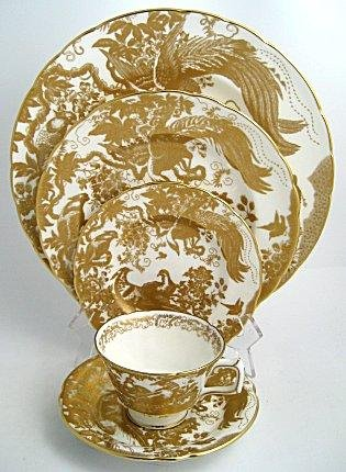 Royal Crown Derby Gold Aves Collection