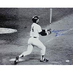 Reggie Jackson Autographed New York Yankees 16x20 Photo w Mr October