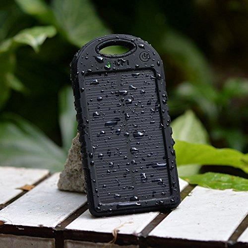 防水/防塵/耐衝撃アウトドア向け防災グッズソーラー充電器 大容量5000mah iPhone・iPad・USB接続可能な全てのスマートフォン対応 (Black)