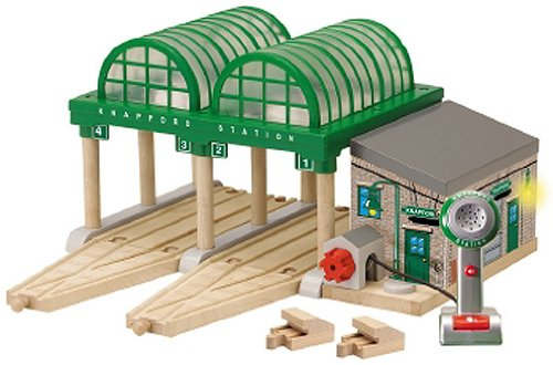 Wooden Thomas  &  Friends: Sights  &  Sounds Deluxe Knapford Station W/Voice Recording