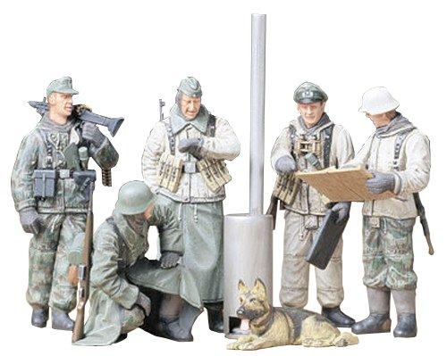 Tamiya 300035212 - 1:35 WWII Figuren-Set Deutsche Soldaten Befehlsausga (5)