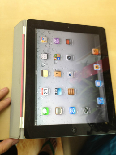 Apple iPad 2 MC770LL A Tablet 32GB