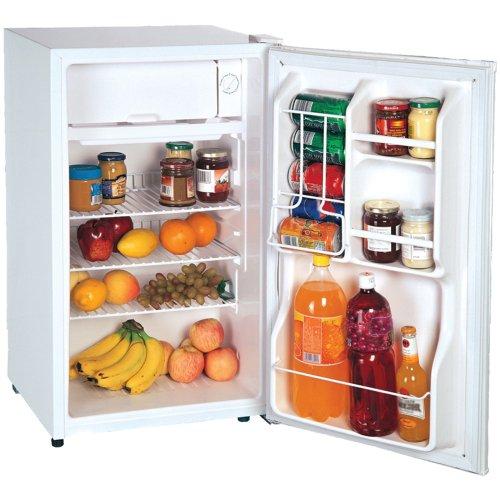 Magic Chef Compact Refrigerator Freezer front-305423