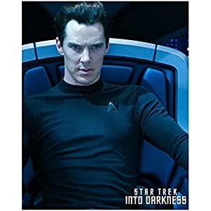Benedict Cumberbatch as Kahn Seated in Star Trek Into Darkness 8 x 10 Photo