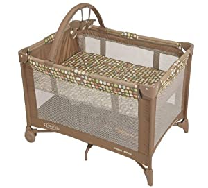 Graco Pack 'N Play Playard with Bassinet, Lively Dots