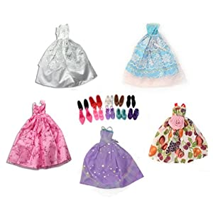 Cute 15 Items = 5 Pcs Fashion Handmade Dresses 5 Shoes 5 hangers For Barbie Doll