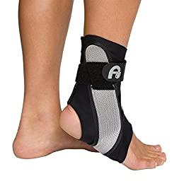 Aircast A60 Ankle Support Brace, Right Foot, Black, Small (Shoe Size: Men\'s 4 - 7 / Women\'s 5 - 8.5)