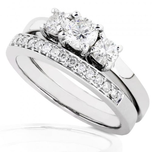 3/8ctw Three Stone Round Brilliant Diamond Wedding Ring Set in 14Kt White Gold (HI/I1-I2)