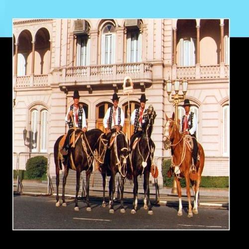 Himno Nacional Argentino y lo mejor del folklore